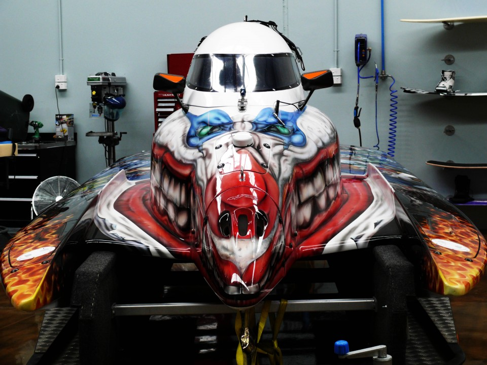 airbrush art-airbrush formula 1 race boat-airbrushart boat-airbrushart formula 1 race boat- 99 phyco clowns formula 1 race boat- 99 phyco clowns-airbrushing clowns4