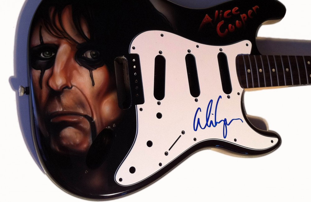 airbrush-art-alice-cooper-guitar-airbrush-alice-cooper-guitar-airbrush-art