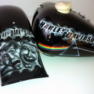airbrush art-pink-floyd-tank-and-guard-pink-floyd-airbrush-motorbike-airbrush-art-custom-art-custom-paint-custom-motorbike-airbrushed-tank-motorbike