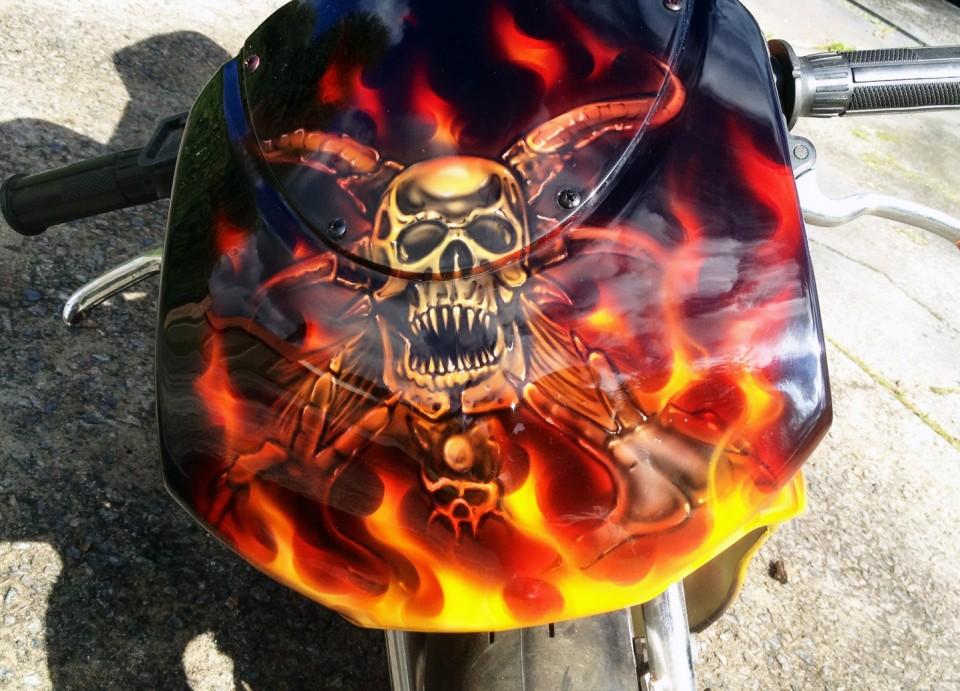 custom airbrush,Airbrushing,airbrush art,airbrush skulls,Rocket Motorbike, creative, design, graghics, flames,airbrush motorbikes1